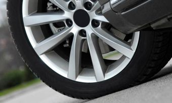 Bob Jane vs Goodyear: Car tyres compared