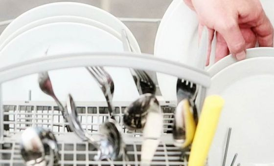 A guide to cleaning your dishwasher