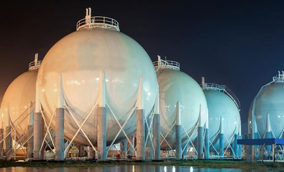 Gas storage at night time