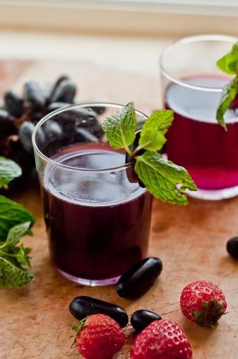 Grape strawberry drink